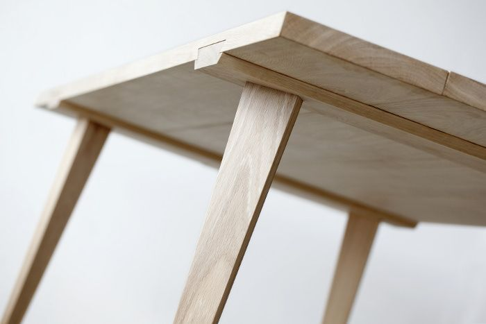 incroyable Timber table à assembler par Julian Kyhl. MeublesAtelier BoisMobilier ...