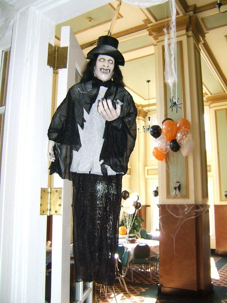 25 Indoor Halloween Decorations Ideas Creepy halloween, Halloween - halloween decorations indoor ideas