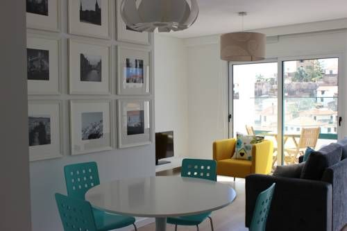 Berna Apartment Funchal Berna Apartment is located in Funchal and features a furnished balcony with panoramic views over Funchal, the harbour and the sea. The unit is a 10-minute walk from the Funchal centre.