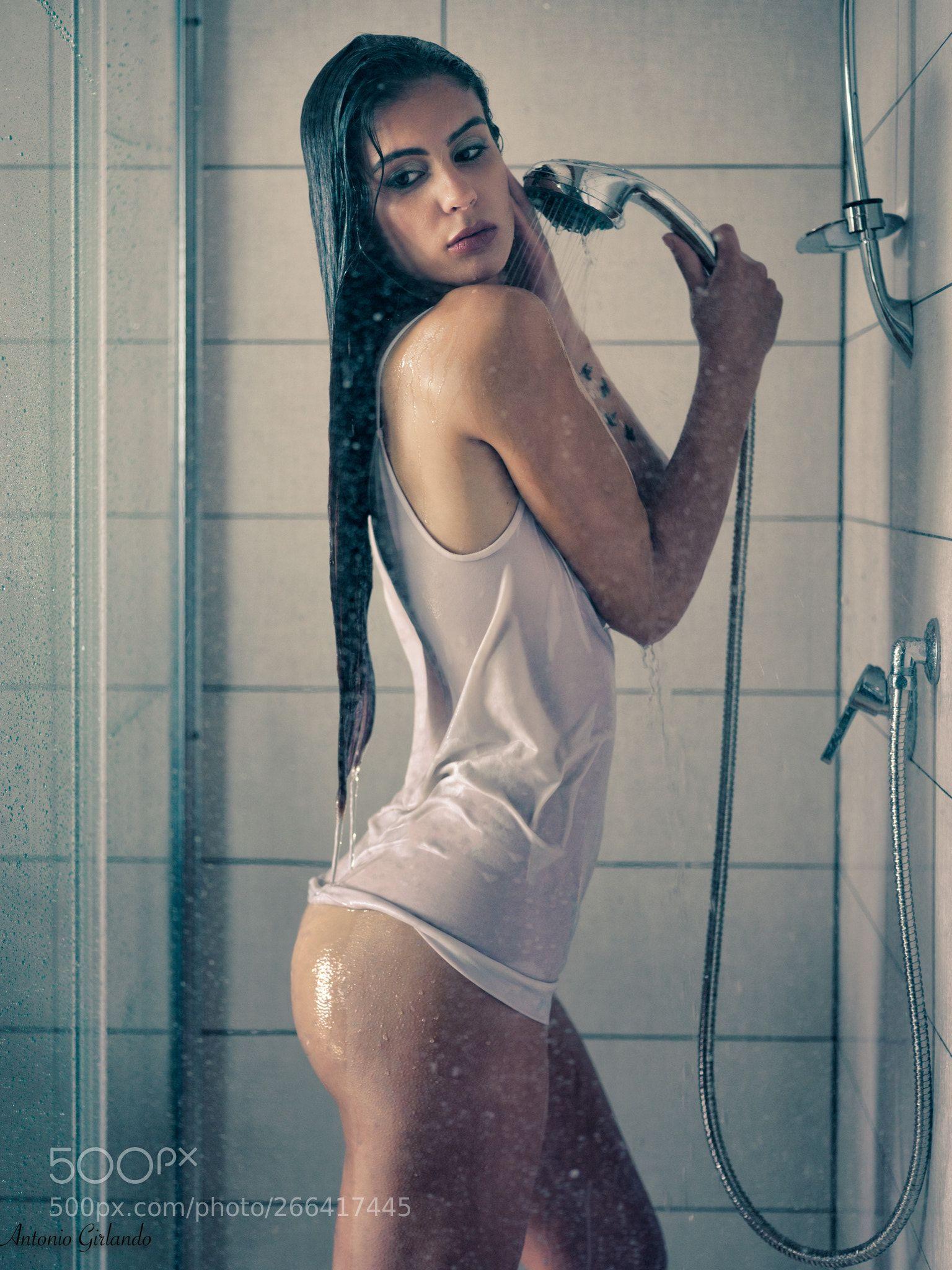 The Shower 3 By Antoniogirlando Chicas Desnudas Chicas Buenas