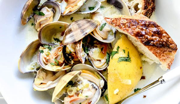 Dinner doesn't have to be overly fancy to be good. These steamed clams, for instance, are rich and tasty, but they're pretty simple and easy to prepare.