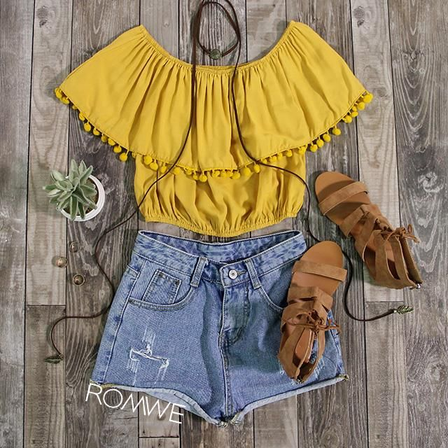 2d0787a6c75624 This outfit looks so bright and summery AND has poms I m obsessed.Style I  Fashion I Outfit Inspiration