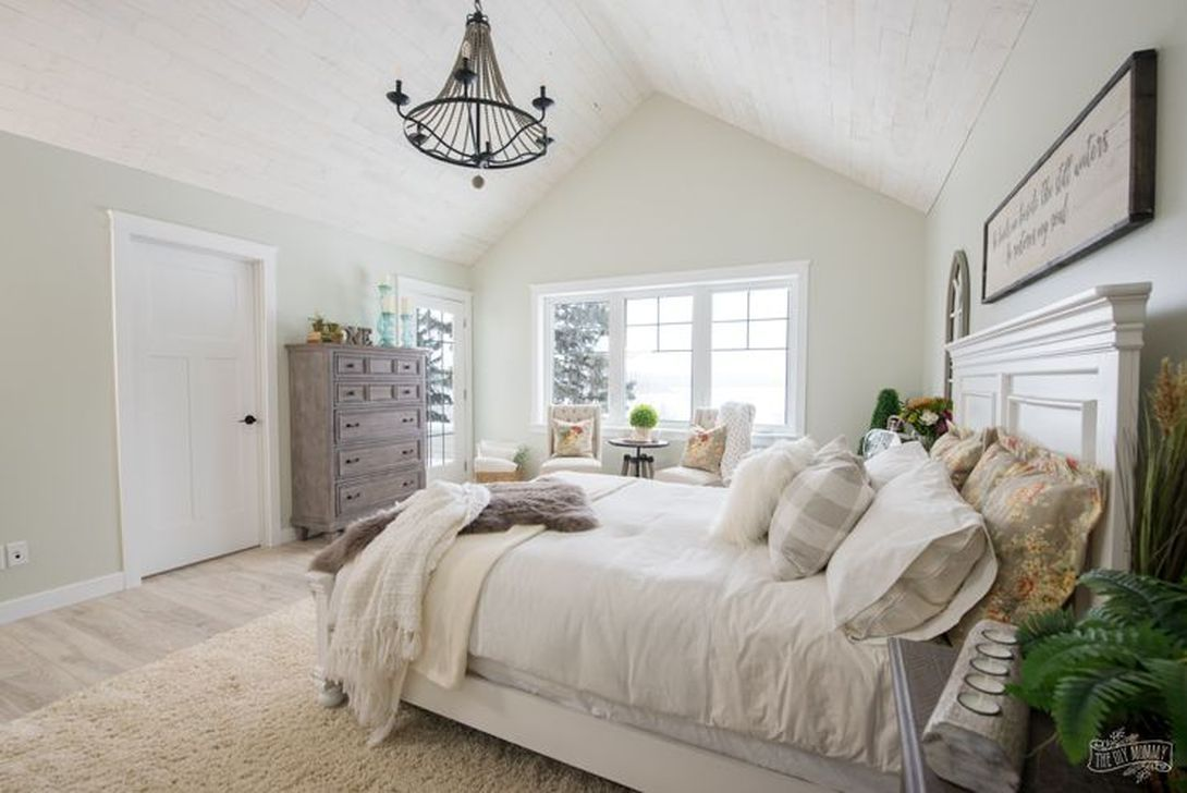 Nice comfy lake house bedroom decorating ideas more at https also rh pinterest