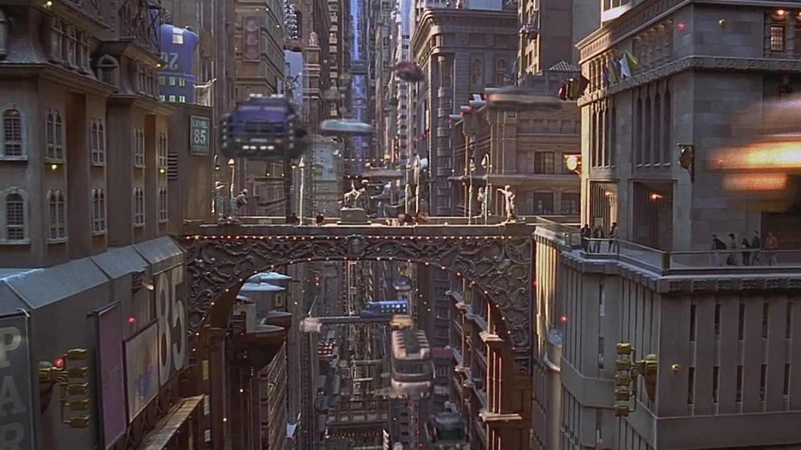 The Fifth Element City Design Google Zoeken Fifth Element