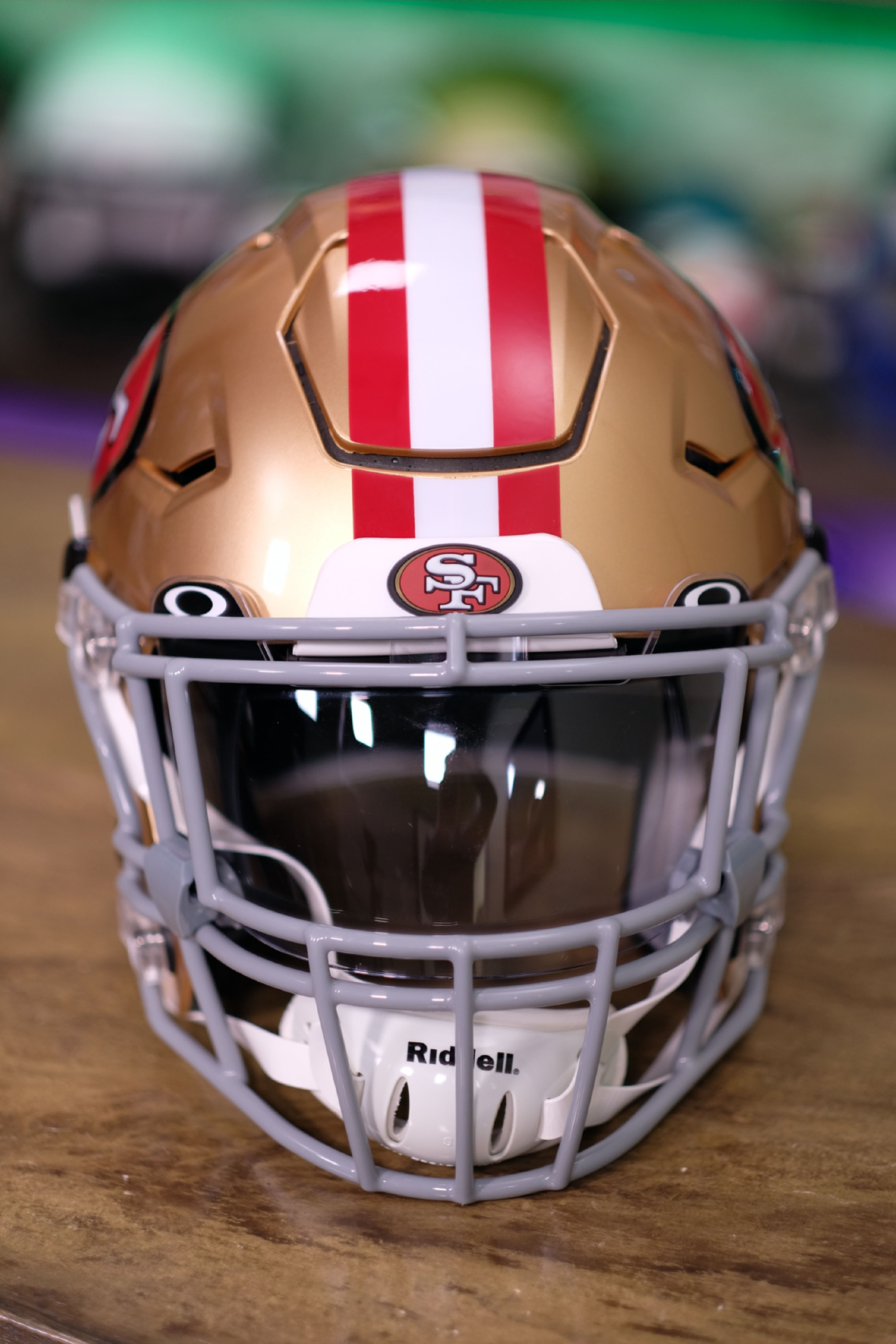 San Francisco 49ers Build For A Customer In 2020 Football Helmets Custom Football Football