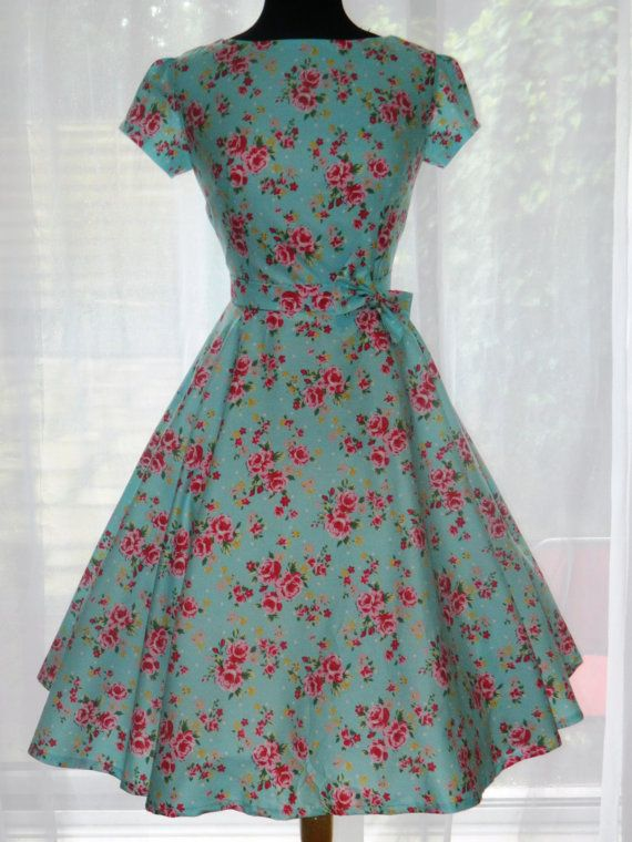 00c0655955c Vintage 50s Mad Men Betty Draper Style Dress. £80.00