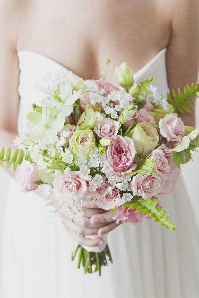 bouquet de mari e couleurs pastels couleurs pastel bouquet mari e et bouquet. Black Bedroom Furniture Sets. Home Design Ideas