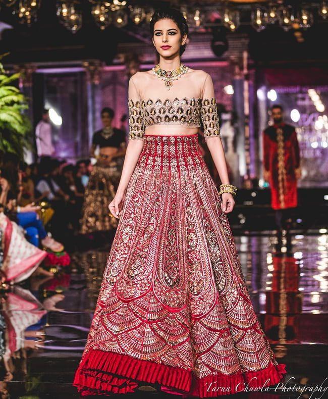 f3e4dfbc7a365c 28 Best Manish Malhotra Lehenga Designs That Are Every Bride's Dream ...