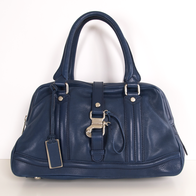 SandraDee's Closet: Fabulous Designer bags/shoes for low prices! Gotta check it out and try not to buy everything!