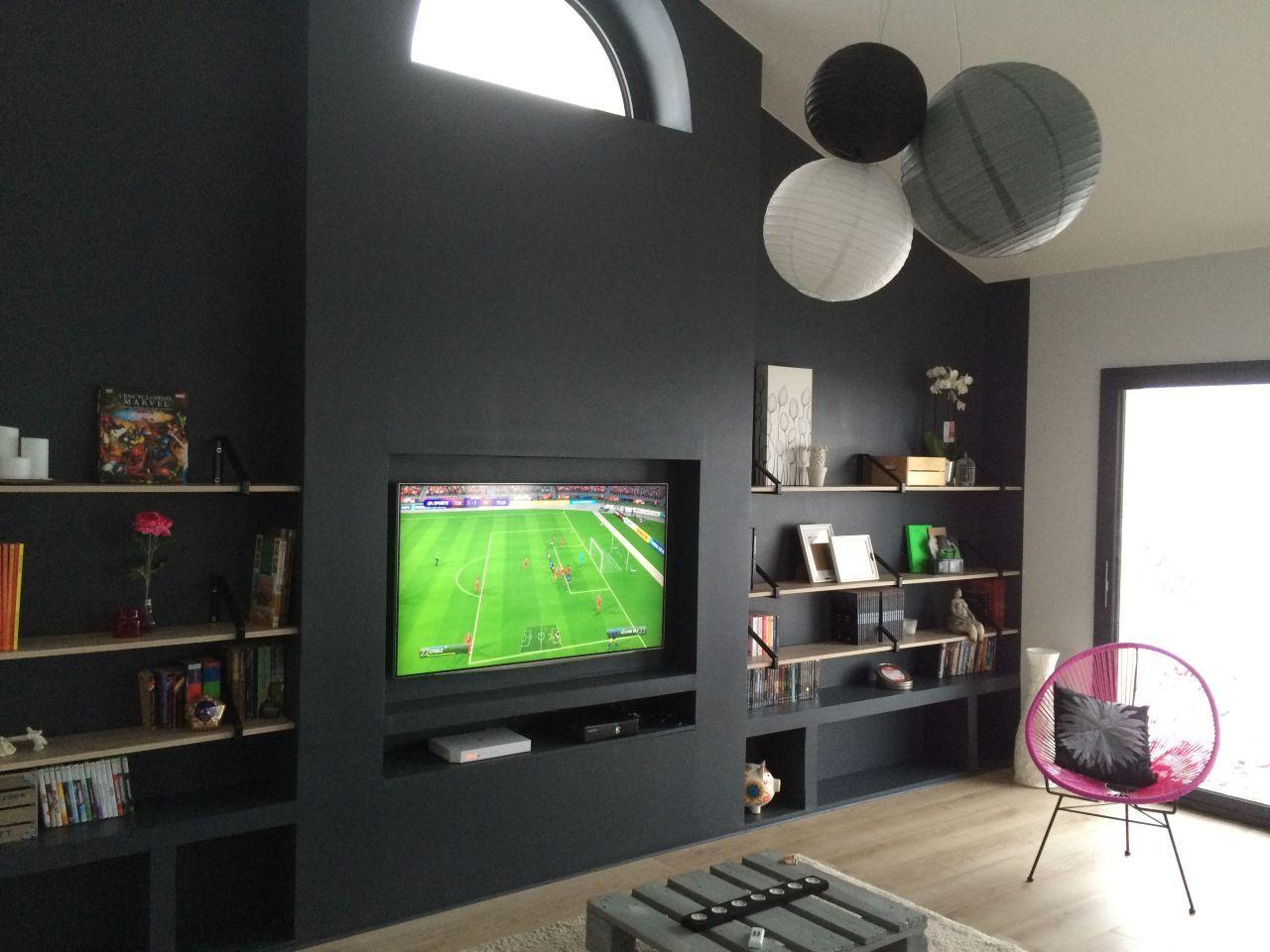 Idee Tv Au Mur mur tv encastrée et bibliothèque terminé et décoré !   déco
