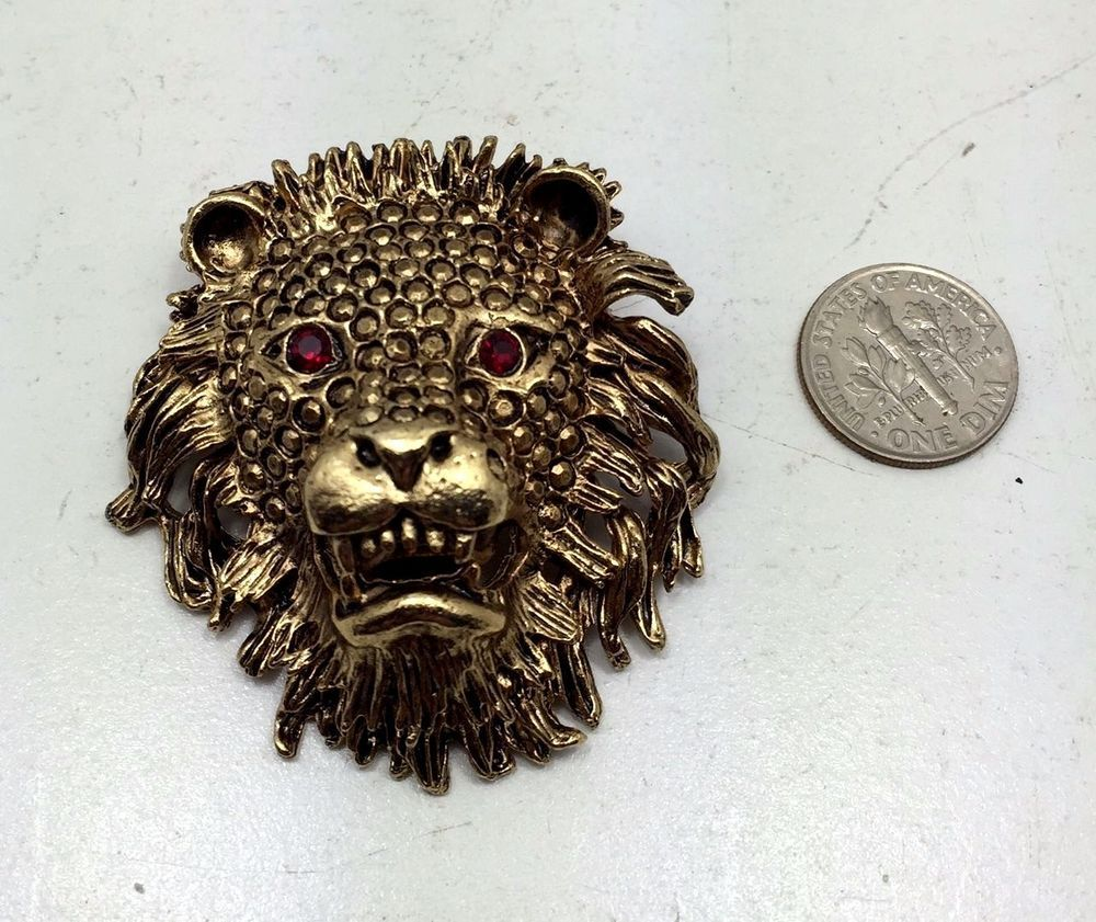 Rare Vintage Estate Lion King of the Jungle Beast Gold Ruby Red Stone Brooch Pin