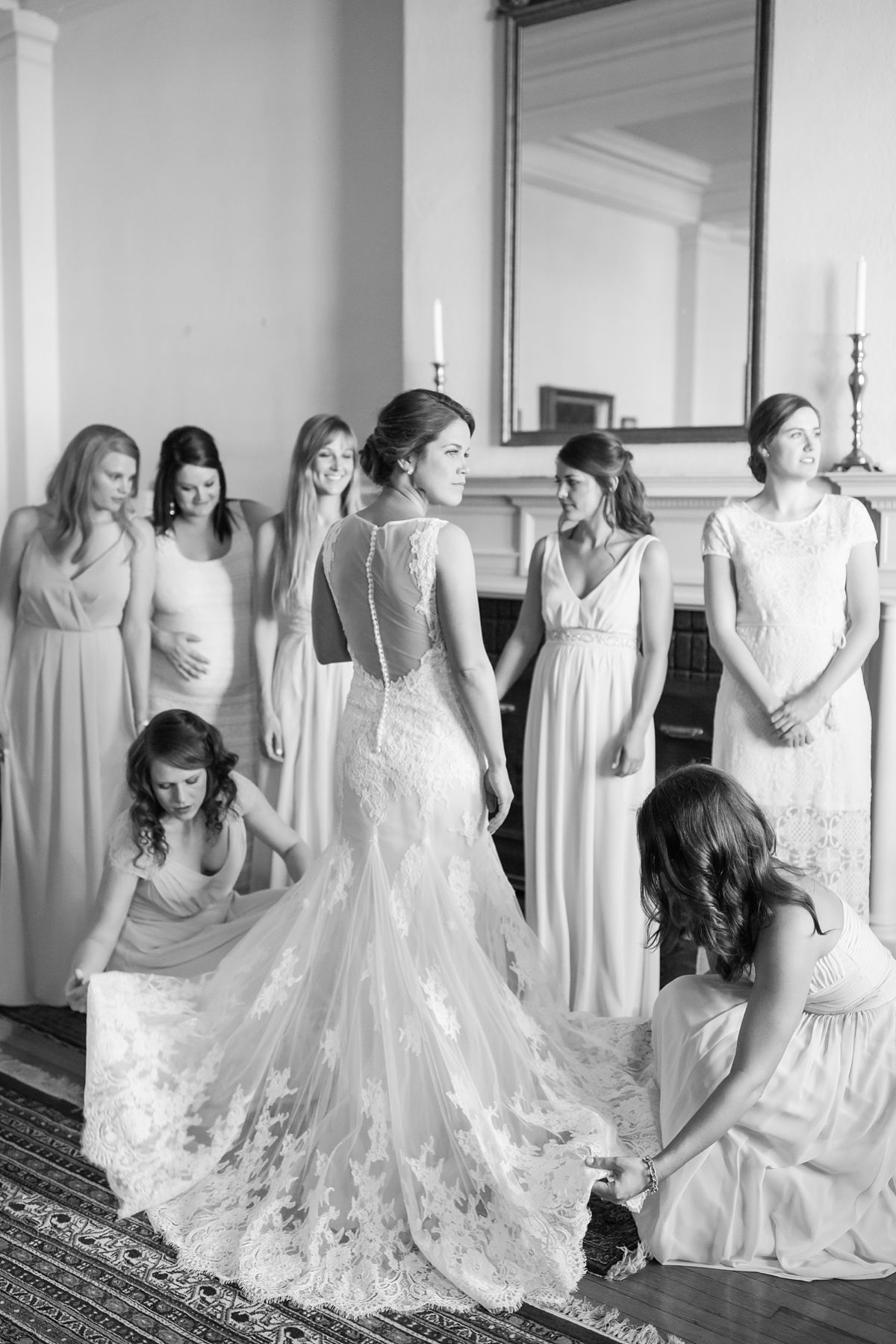 A Classic Ivory Blush Sage And Taupe Richmond Wedding At The Visual Arts