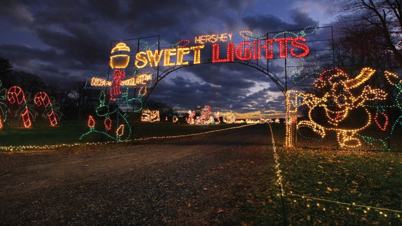 10 Best Holiday Light Displays In The United States Holiday Lights Display Holiday Lights Christmas Getaways