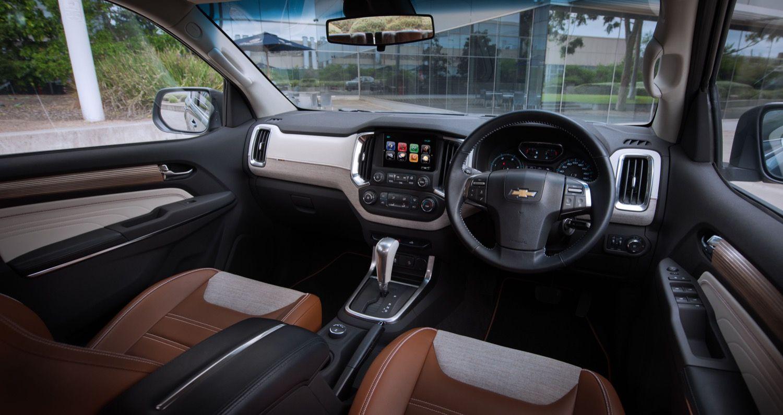 Chevy Trailblazer Premier Revealed Gm Authority 2016 Trailblazer Interior Black Grey Brown Off White Silver Chevrolet Trailblazer Chevy Trailblazer Chevrolet