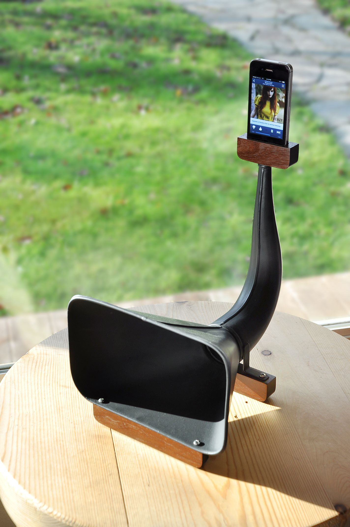 Natural Amplifier For Iphone Diy Phone Stand Small