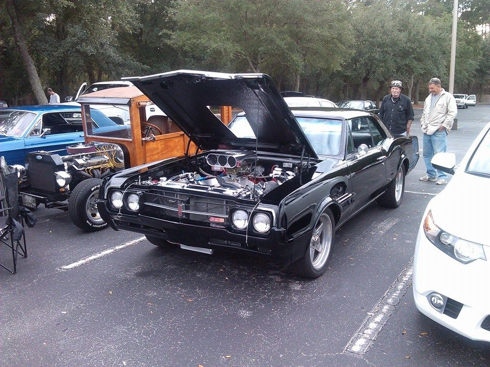Olds Lowes Cruise In Jacksonville FL January Car Show - Car show jacksonville fl