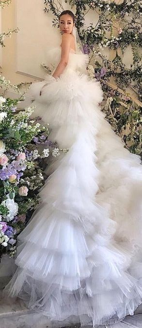 Giambattista Valli | WEDDING DRESSES | Pinterest | Lila