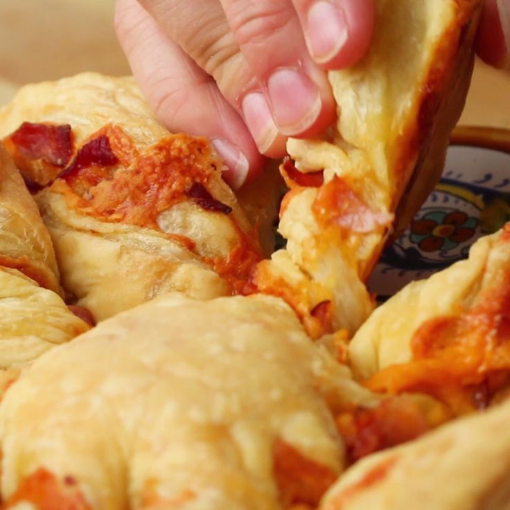 Zie video makkelijk borrelhapjeham cheese twists recipes zie video forumfinder Image collections