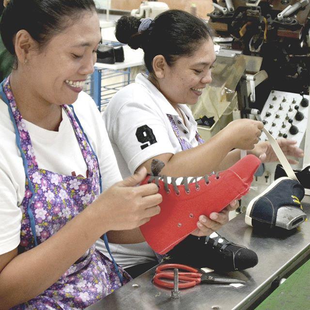 Desain sepatu Ardiles selalu menarik. Soal kualitas nggak perlu ragu lagi  karena kami membuatnya sepenuh 34ae79eaea