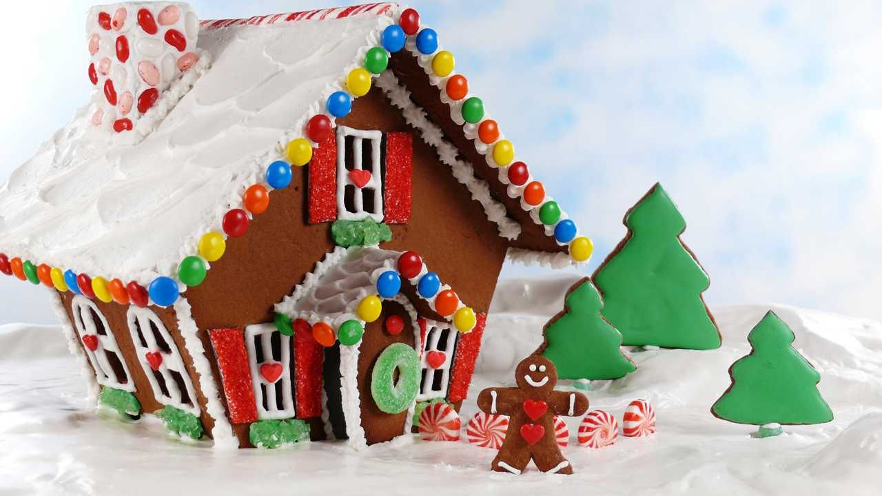 Easy Gingerbread House May Sound Like An Oxymoron But Our Step By