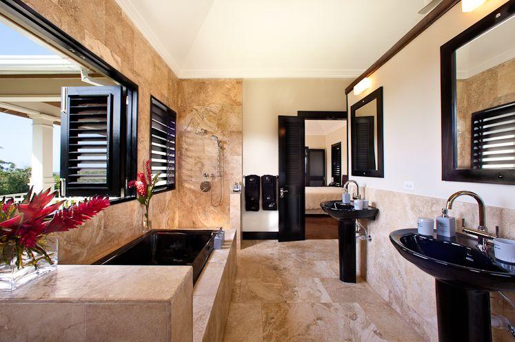 Inviting bathroom at Hanover Grange