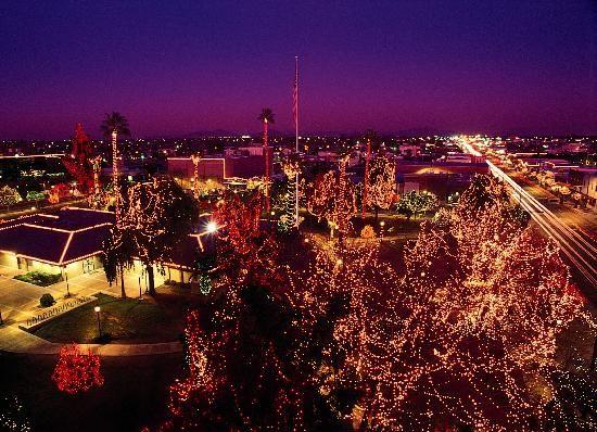 Pin By Diana Benza On Arizona Glendale Christmas Lights Glendale Glitters