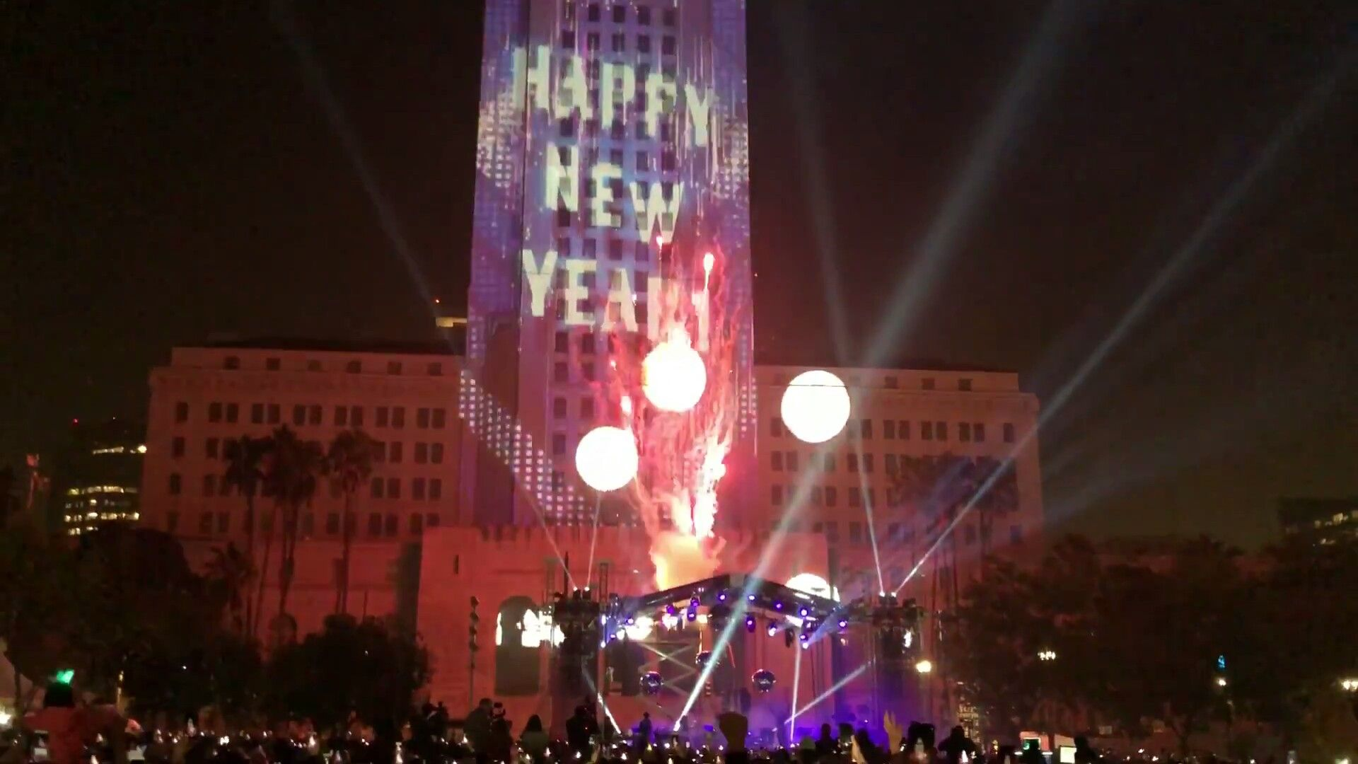 Happy New Year Los Angeles 2018 LA fireworks grand park down town     Happy New Year Los Angeles 2018 LA fireworks grand park down town