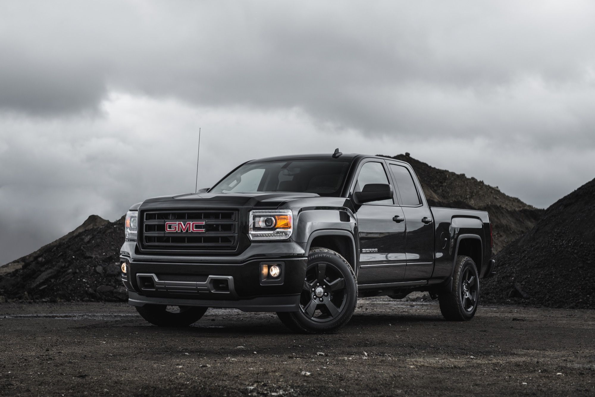2017 gmc sierra 1500 front grill 2017 trucks news pinterest front grill sierra 1500 and dream cars