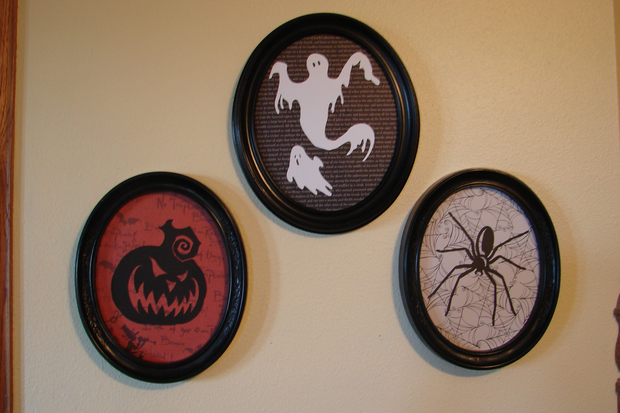 Halloween pictures made with my Cricut.