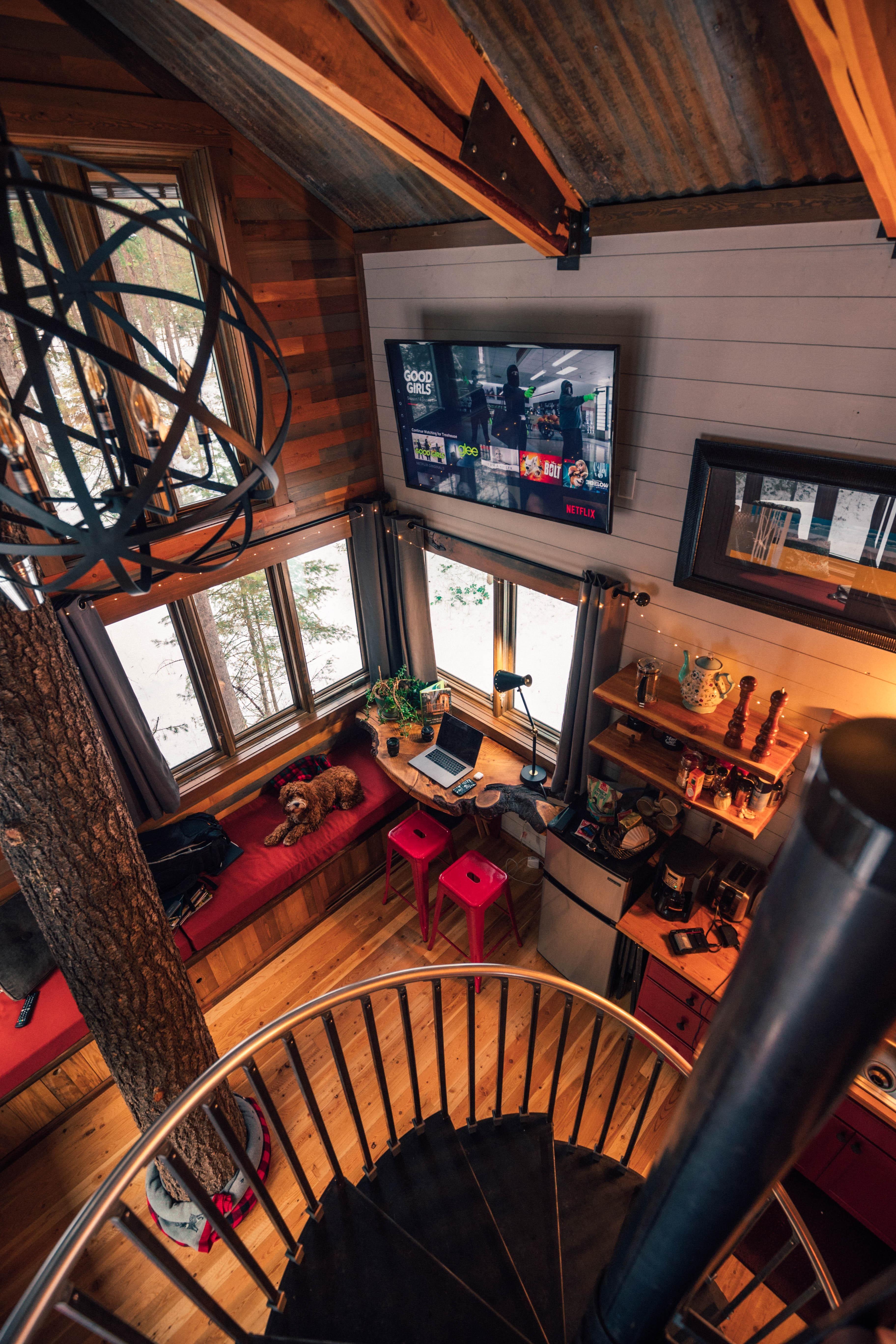 A cozy treehouse interior in Montana OC 3648x5472 # ...