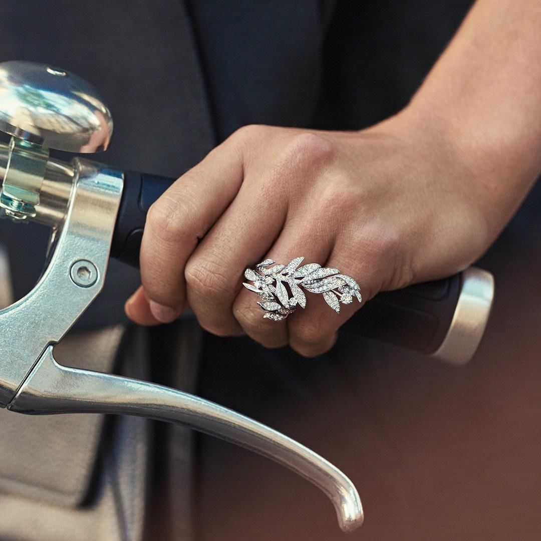 The New Laurier Precious Jewellery Collection Celebrates The Symbolic Plant That Has Been A Continuous Presence I Fine Diamond Jewelry Jewelry Buy Diamond Ring
