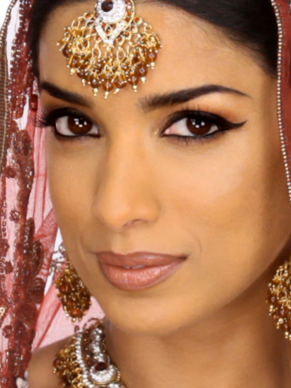 Video Makeup Tutorials: 100 Years Of Bollywood Makeup & Beauty On Pinterest