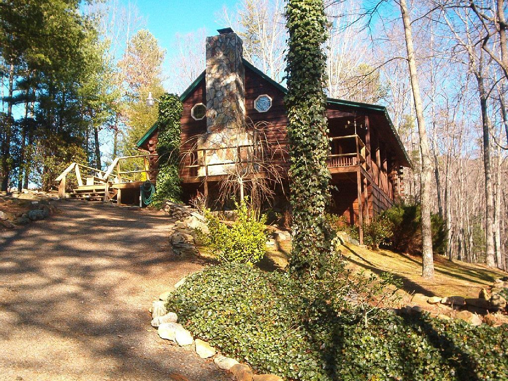 setting peaceful s nc mountain in firefly log chalet home murphy that cabin cabins rentals rental