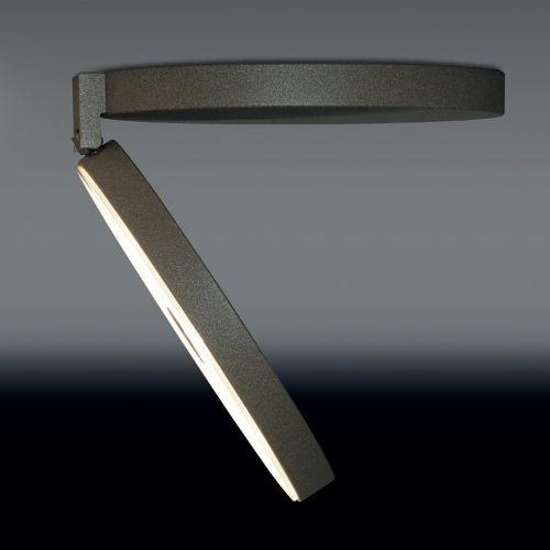 Dimmbare Design Deckenleuchte mit flexibler Lichtlenkung