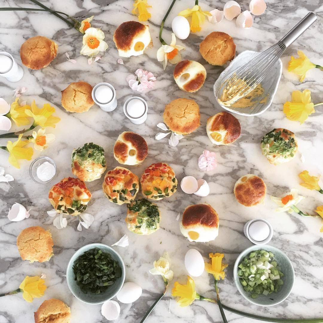 Spring is here with @patriciachangny amazing styling of #eggbread 🍳#gyeranbbang #계란빵. Three variations- traditional #Korean, #cornmuffin, and garnished. #yolkporn #egg #foodstagram #baking #eggporn #instafood #nycfoodie #instafood #instagood #yum #계란 #빵스타그램 #홈메이드 #먹스타글램 #맛스타그램 #maangchi#daffodils Follow on Instagram: JenCooksKorean JenCooksKorean.com