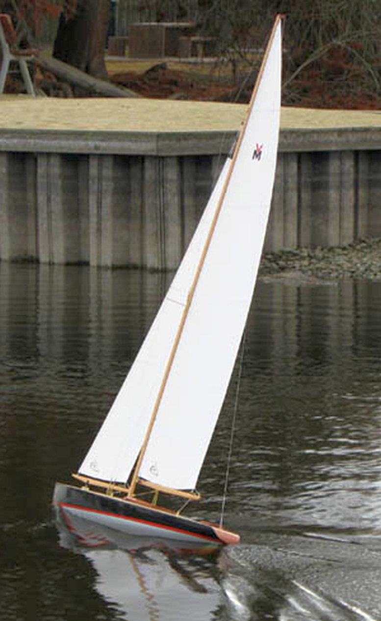 Sunwind Gus Lassel dsigned M class pond yacht | Pond Yachts