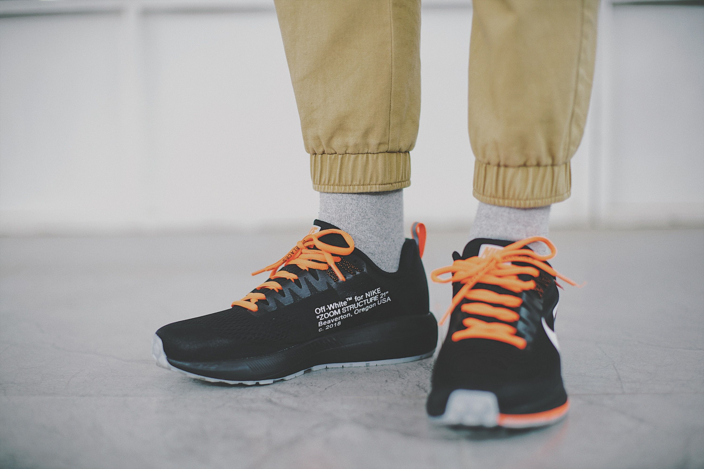 OFF-WHITE Virgil Abloh x Nike Air Zoom Structure 21Sneakers
