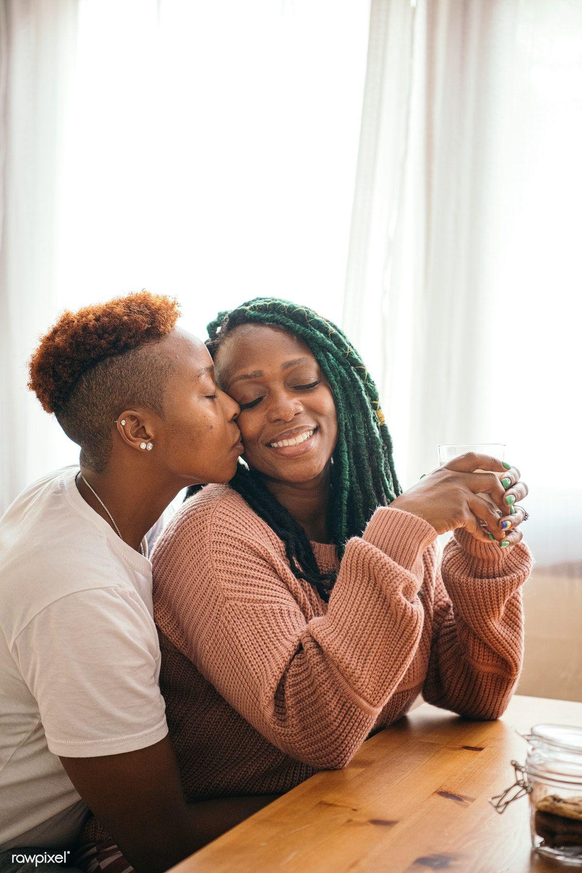 Lesbian meets lesbian
