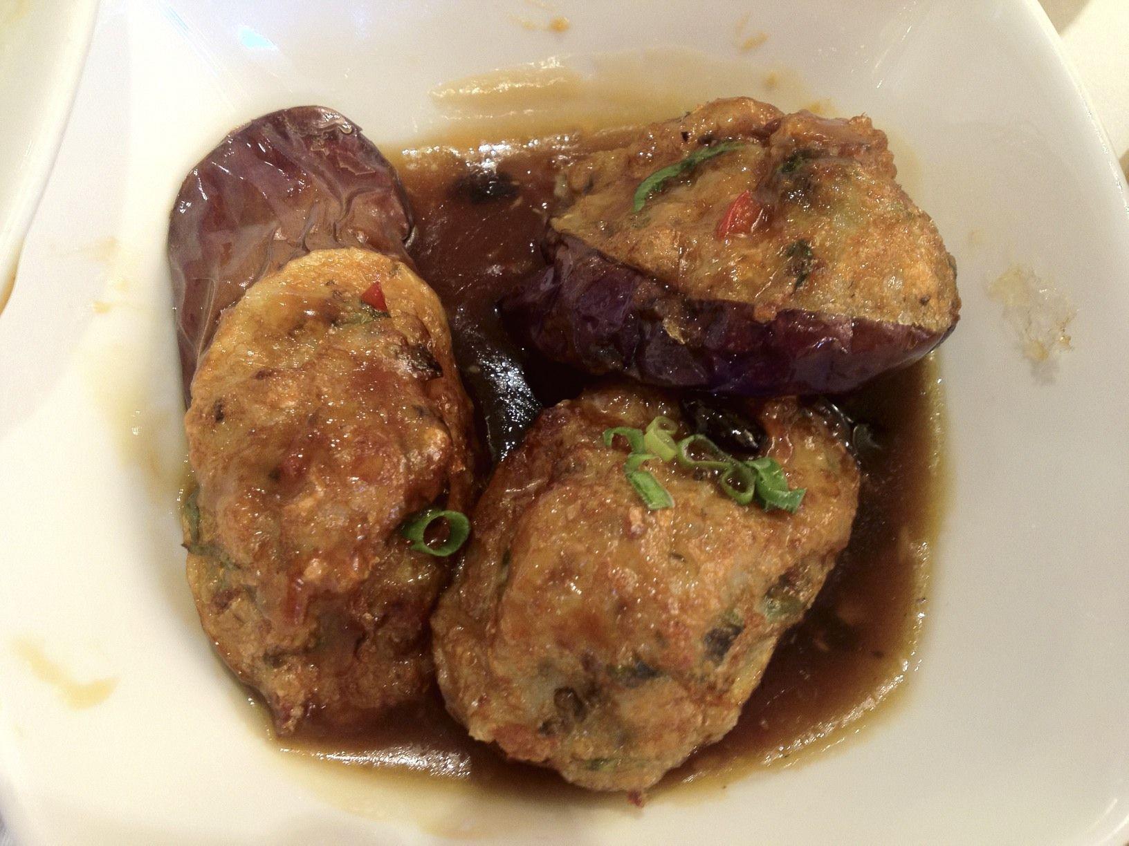 Hong Kong Keuken : A typical hong kong dish eggplants stuffed with minced fish