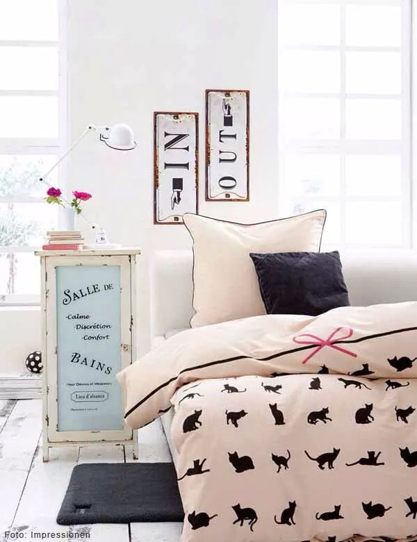 Bedroom Cats