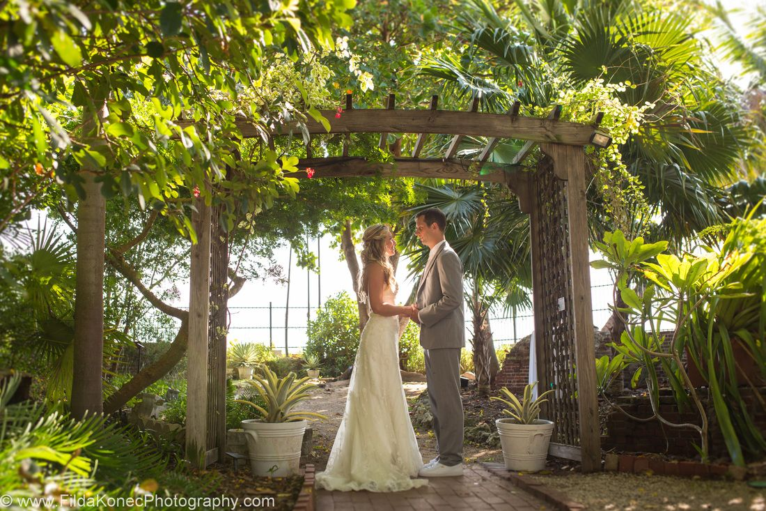 Kelsey Matt S Wedding At The Key West Ceremony Reception Venue