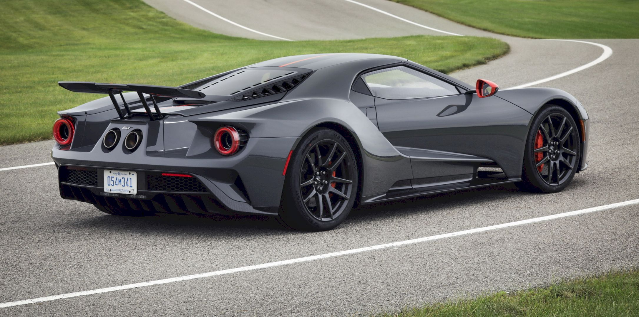 2019 Ford Gt Carbon Series Attacks Track And Drive Home Ford