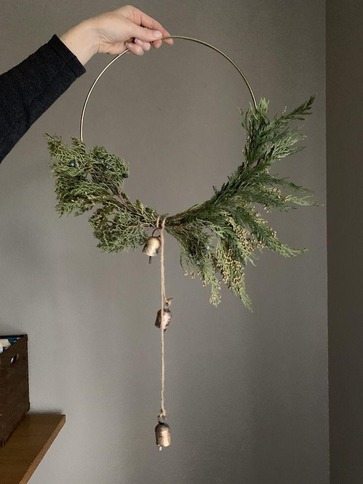 Photo of Modern Hoop Wreath DIY – Make in 10 Minutes! – allisa jacobs