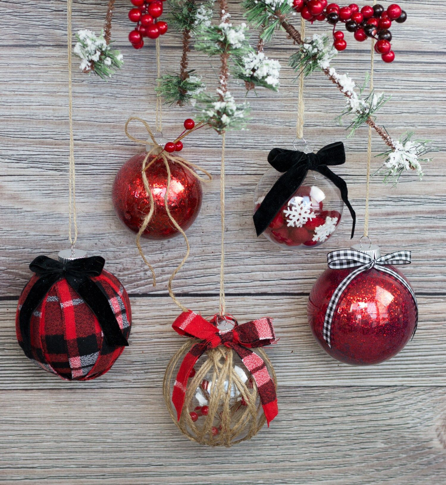 Decorating Clear Plastic Ornaments For Christmas Sweet Red Poppy Diy Christmas Ornaments Easy Clear Christmas Ornaments Homemade Christmas Ornaments Diy