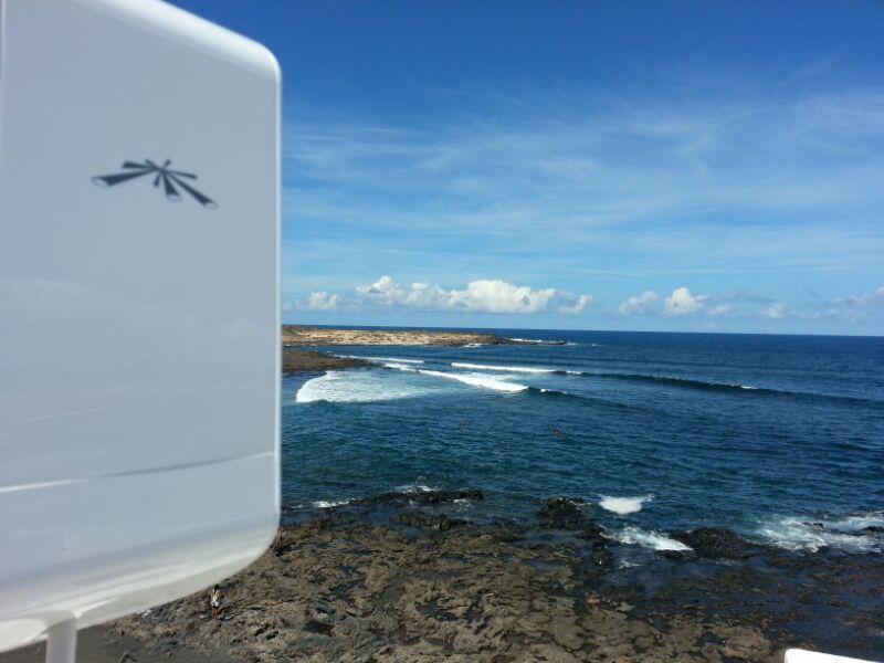 Y desde Caleta de Caballo en Lanzarote nos llega está fantástica foto: Instalación #WiFiCanarias #AirInternet #Ubiquiti