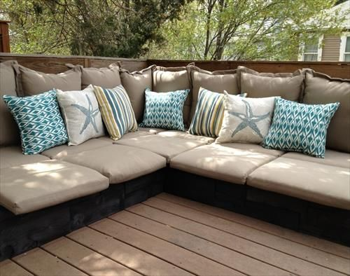 DIY Pallet Couches Ideas