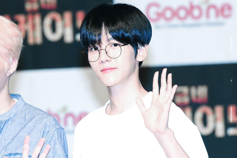 [#HQ] 29.06.16 Fansign da Goobne Chicken - Baekhyun   cr. BYT
