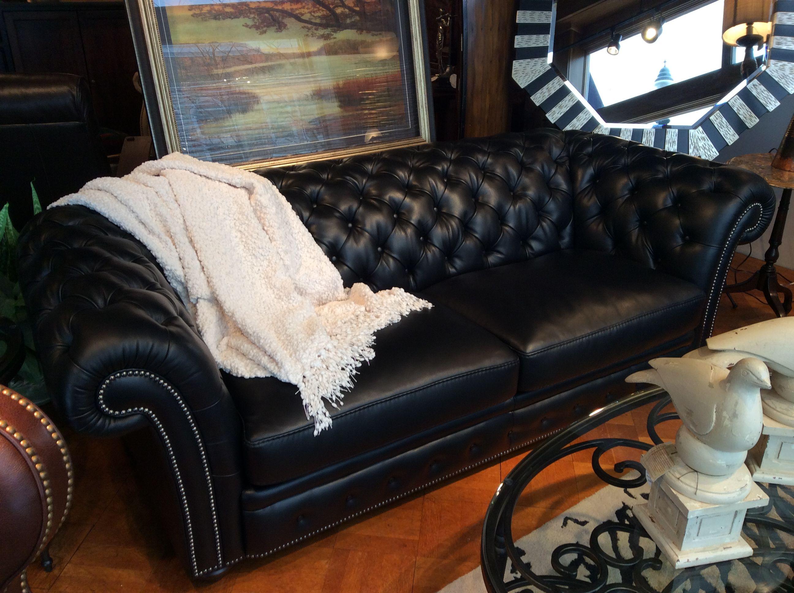 Flexsteel Classic Tufted Leather Sofa Living room