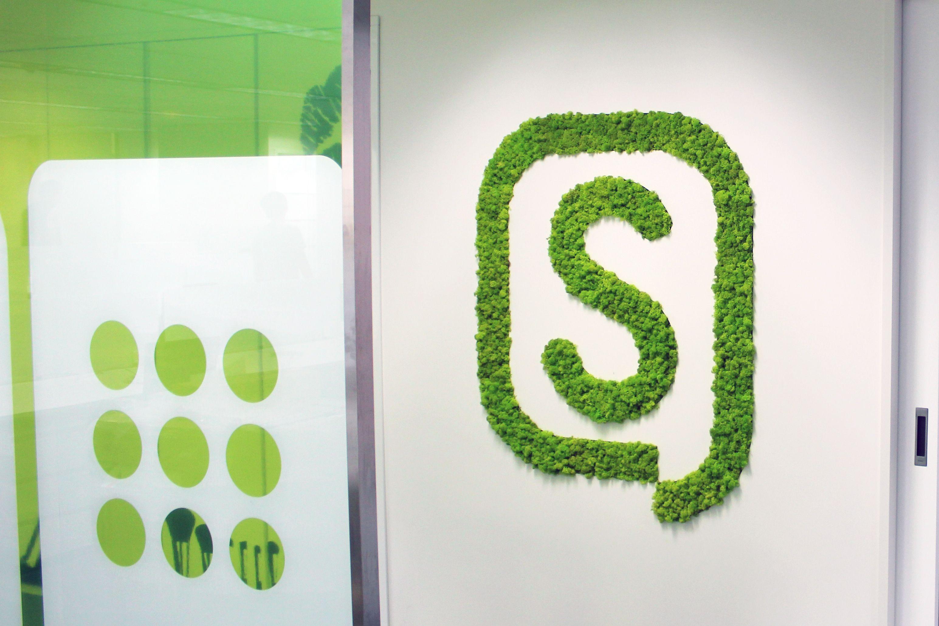 Customized company logo installation by Scandia Moss. | Green ...