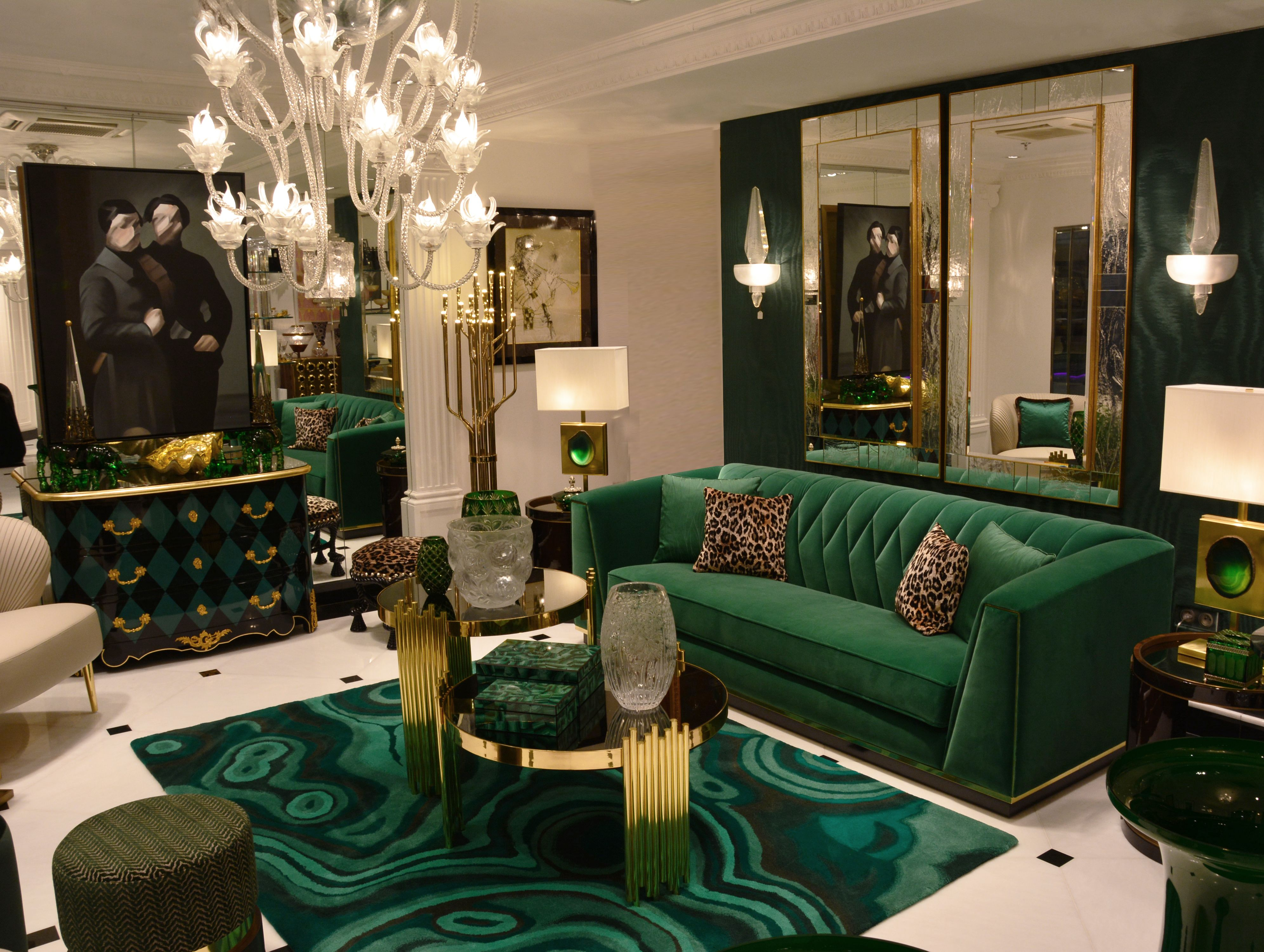 Vitrine Du Showroom Royal Gallery Green Design Velvet Laiton Goldbrass Murano Pinton Inter Gold Living Room Living Room Decor Modern Living Room Green